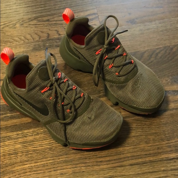 Nike Shoes | Youth Army Green Size 5 Y